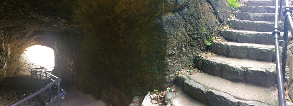 竜宮窟階段