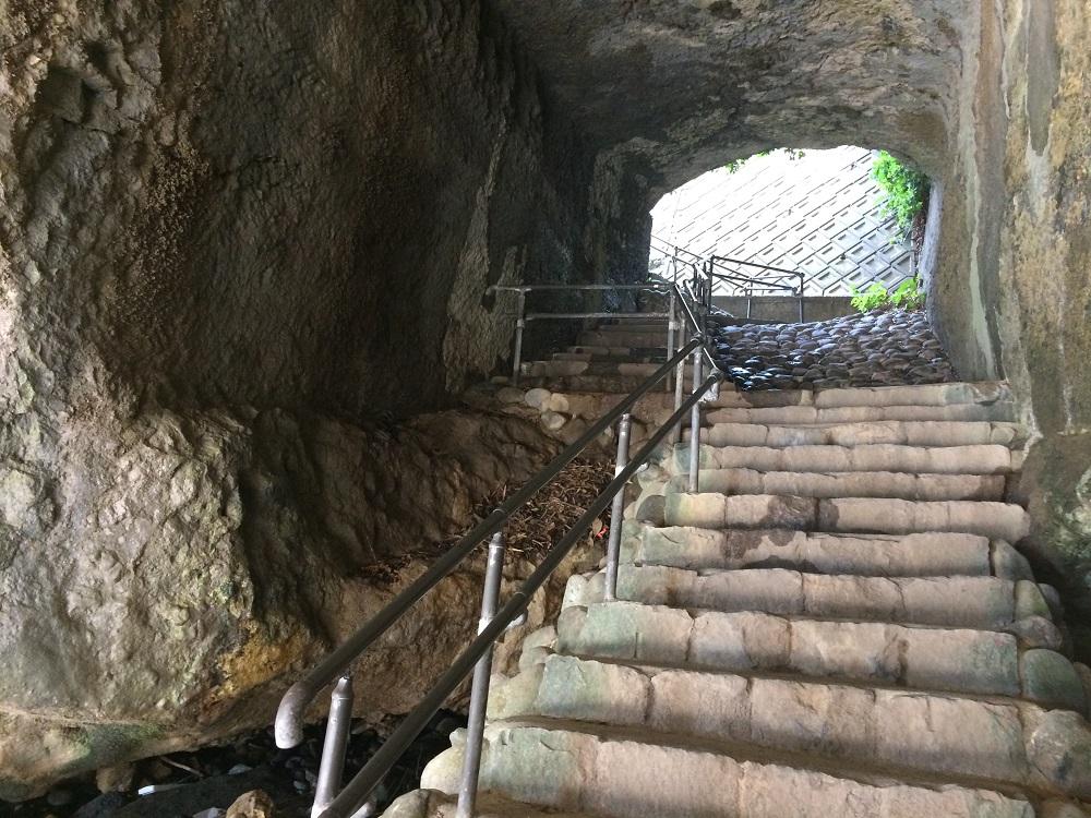 竜宮窟階段2