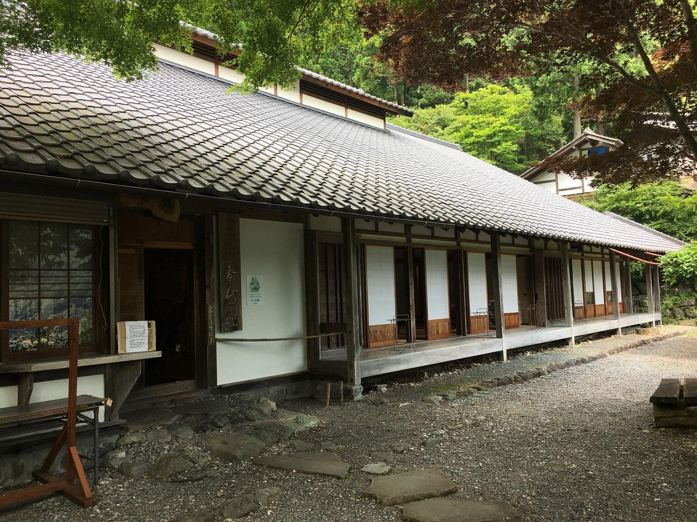 奈良田の里温泉外観2