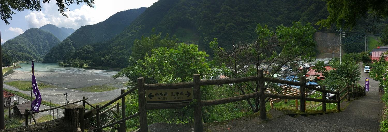 奈良田温泉からの風景