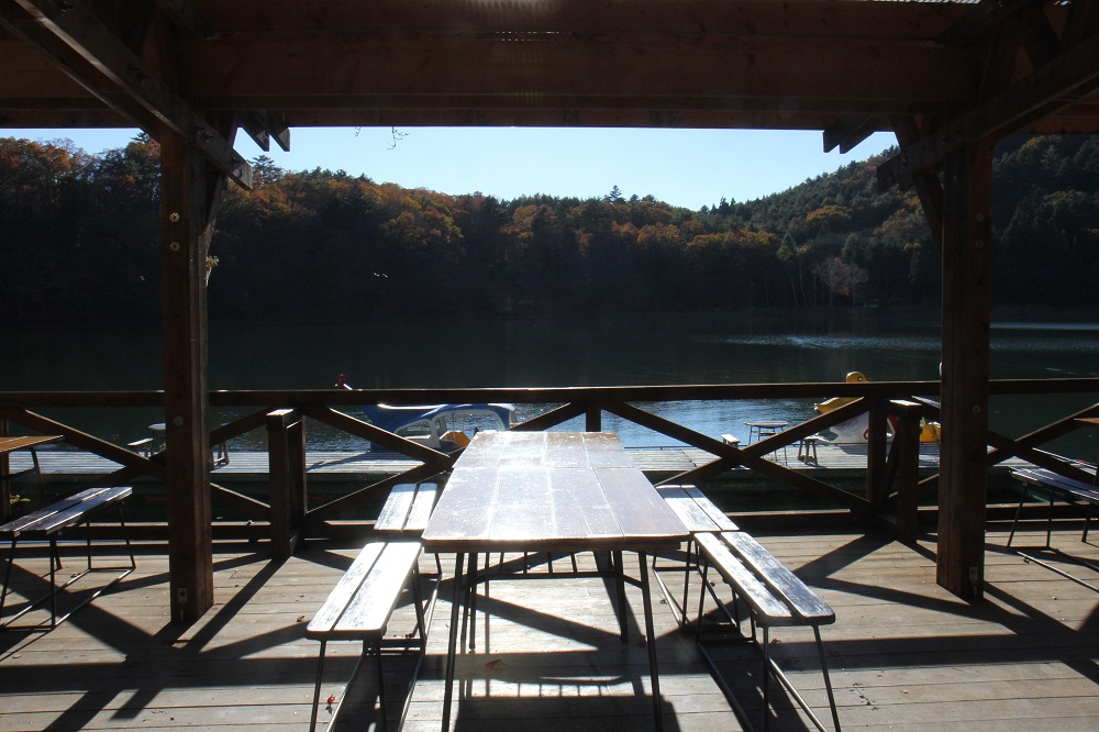 水明荘から四尾連湖