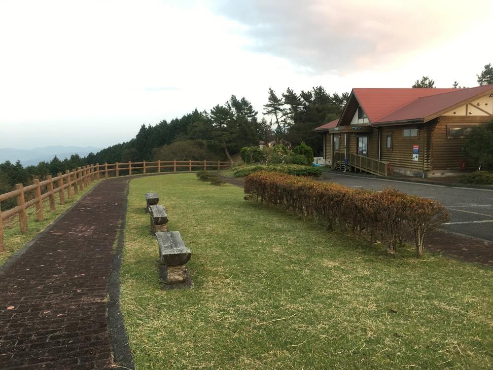 達磨山キャンプ場管理棟