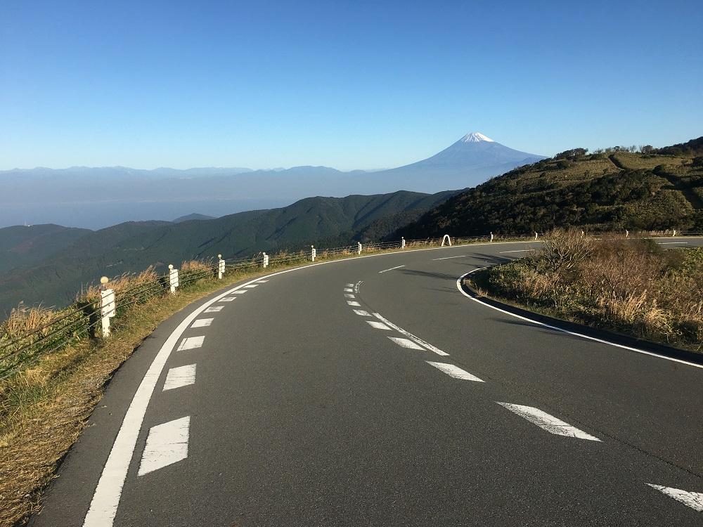 達磨山駐車場から見る富士山