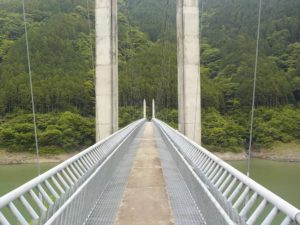 南アルプス接岨大橋正面