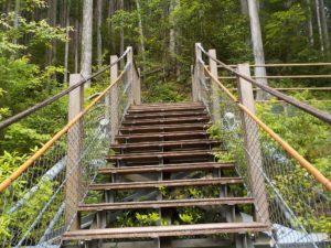 宮沢橋は階段