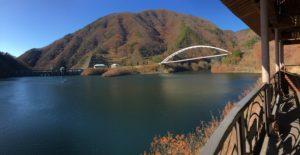 みずがき湖を眺めるシーン